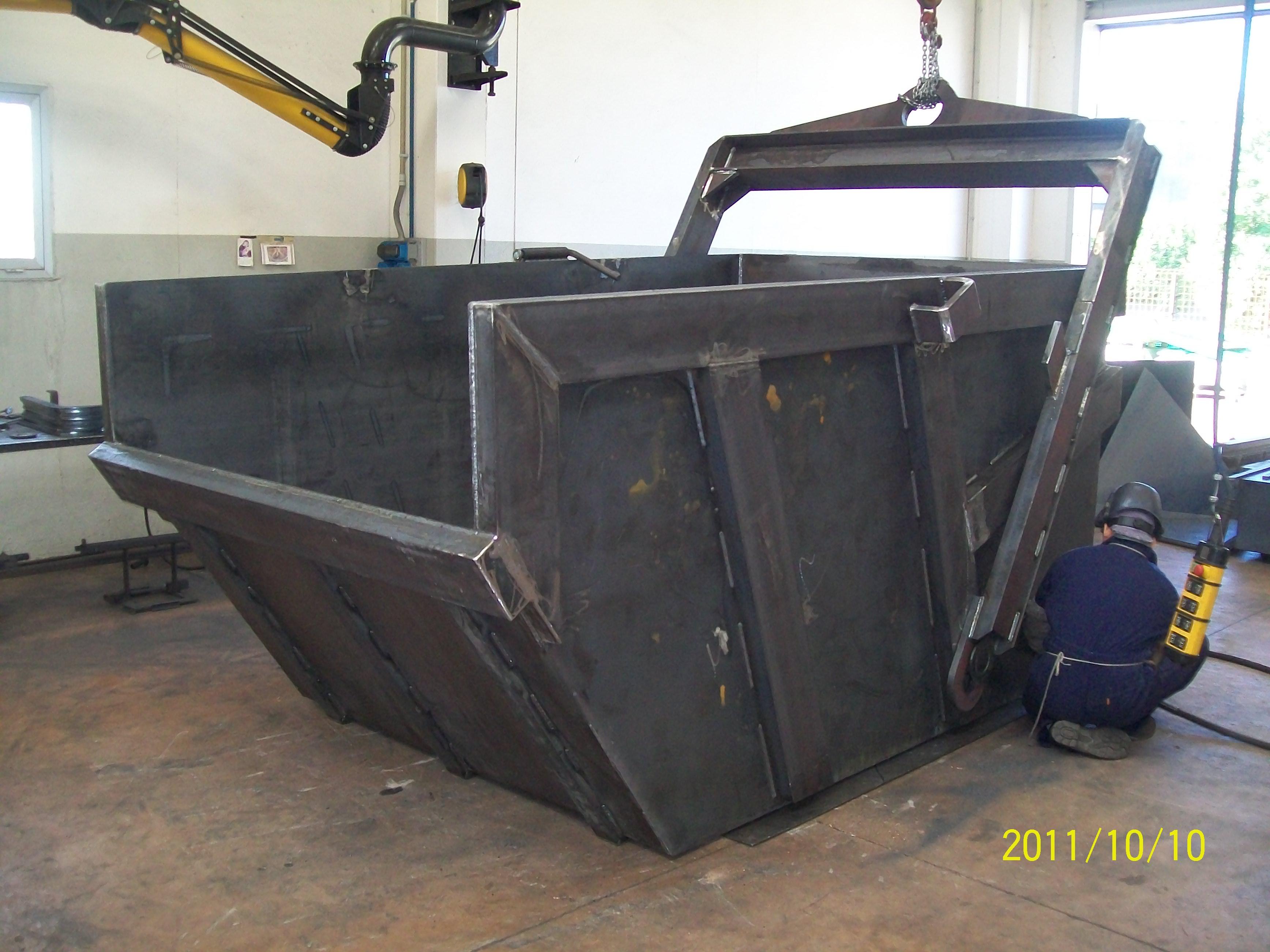 boscaro-dumping-bin-biggest (4)