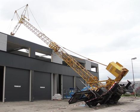 Self-erecting crane overturns in N. Holland | All Things