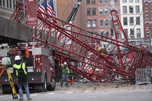 nyc-crane-collapse-ap-0207-jpg1