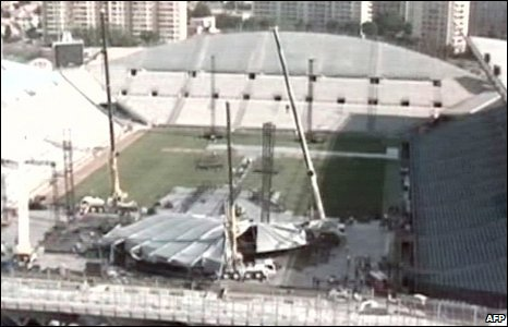 Madonna Stage Collapse