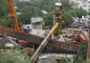 new-delhi-crane-accident