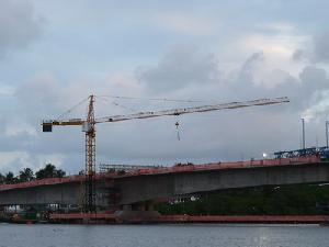 biggest-tower-crane-pakistan