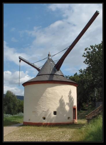 worlds-oldest-crane-alter-krahnen