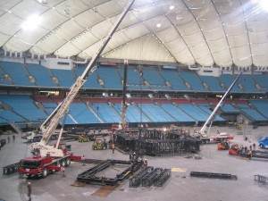 u2-stage-set-up-bc-place (1)