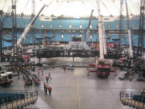 u2-stage-set-up-bc-place (3)