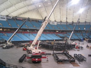 u2-stage-set-up-bc-place