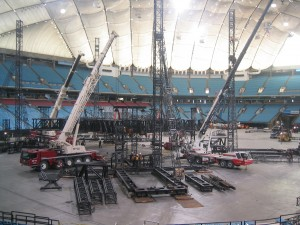 u2-stage-set-up-bc-place (4)