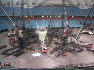 u2-stage-set-up-bc-place (5)