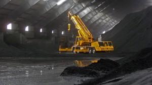 Linkbelt 8675 inside cocker pit up righting a rolled over front loader