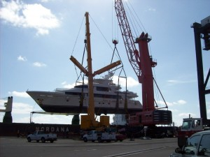 An LTM 1400 lifting a yacht at Port Everglades, in Fort Lauderdale, FL