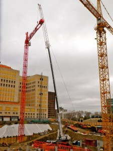 Mobilization of a Wolff tower kran at the Edmonton Parliament revamp project with a LTM 1400 with Fixed Jib