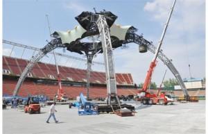 Stampede Crane - U2 360 tour stage