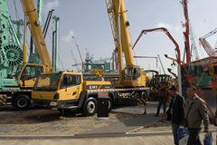 The CLG TC500 is a new 50 tonne capacity truck crane from LiuGong in China