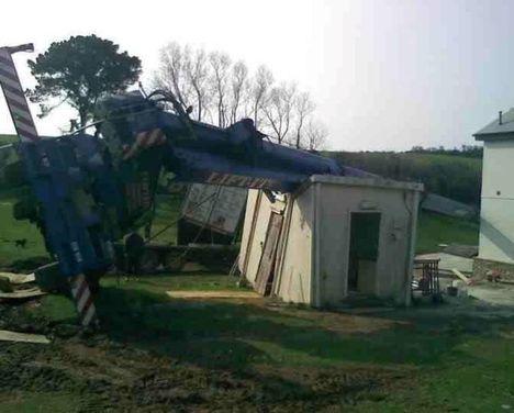 UK Crane overturns 3