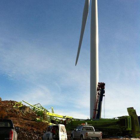 Wind Farm, crane overturn