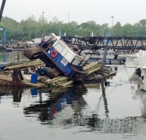 Barge & Crane