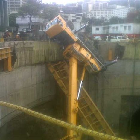 Tandem Lift Overturn. 1