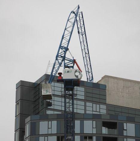 Jost, tower crane alert