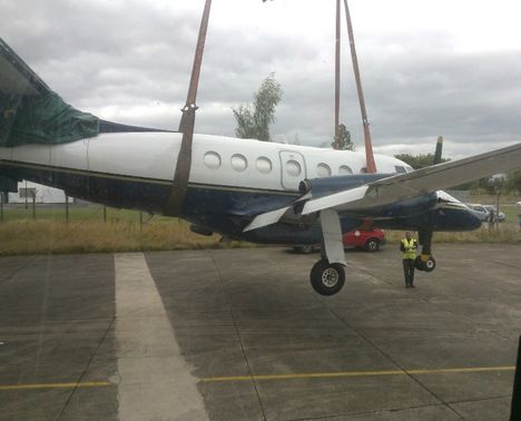 Crane Recovers Plane 4